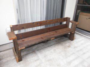 手作りのベンチができました^^